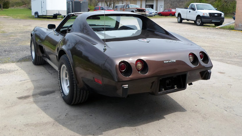 1976 Chevrolet Corvette 350 CI, Automatic presented as lot W272 at Indianapolis, IN 2013 - image3