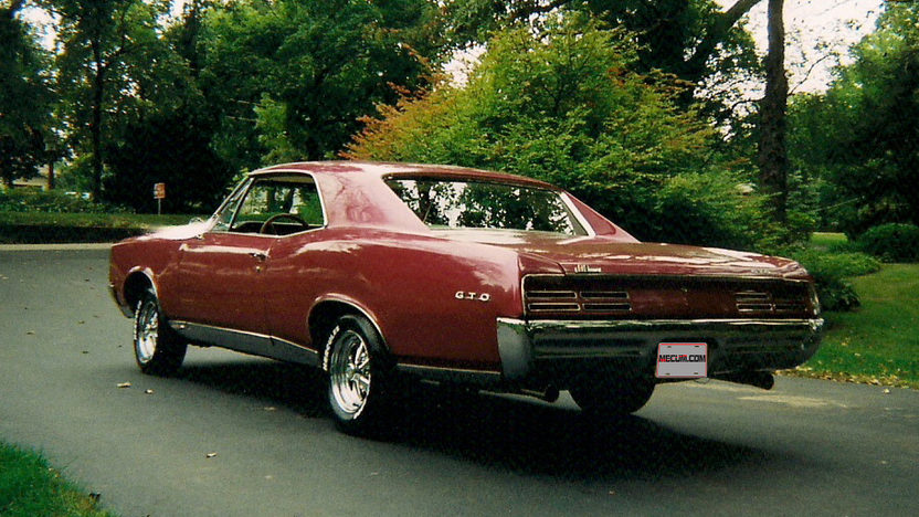 1967 Pontiac GTO 455 CI, Automatic presented as lot T6 at Indianapolis, IN 2013 - image2