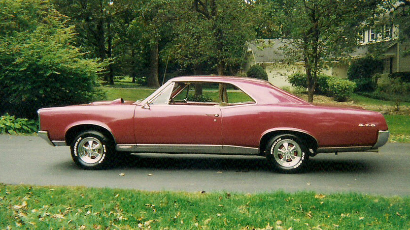 1967 Pontiac GTO 455 CI, Automatic presented as lot T6 at Indianapolis, IN 2013 - image5