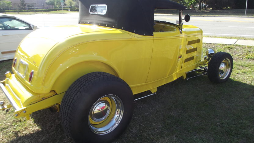 1932 Ford Roadster 351 CI, Matching Trailer presented as lot T12 at Indianapolis, IN 2013 - image2