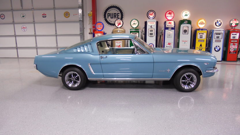 1965 Ford Mustang Fastback 289 CI, 4-Speed presented as lot T26 at Indianapolis, IN 2013 - image2