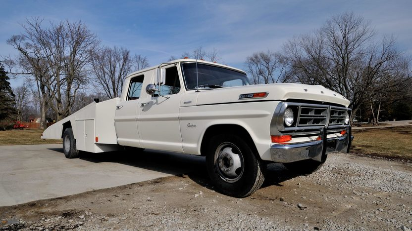 1970 Ford F350 Crew Cab Factory Car Hauler East Coast Ford Drag Team Hauler presented as lot T88 at Indianapolis, IN 2013 - image12
