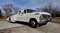 1970 Ford F350 Crew Cab Factory Car Hauler East Coast Ford Drag Team Hauler presented as lot T88 at Indianapolis, IN 2013 - thumbail image12