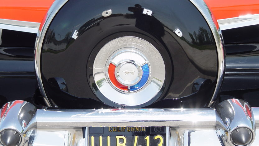 1959 Ford Fairlane 500 Sunliner 332 CI, Automatic presented as lot T128 at Indianapolis, IN 2013 - image7