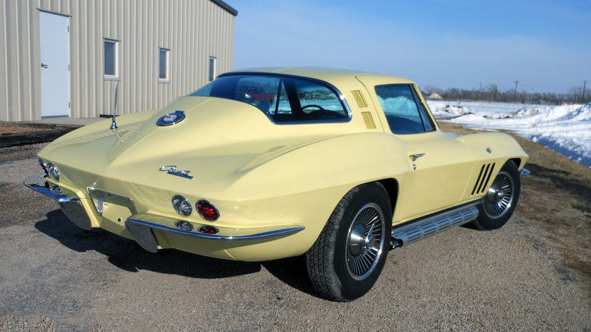 1965 Chevrolet Corvette Coupe 327/365 HP, 4-Speed presented as lot T136 at Indianapolis, IN 2013 - image7