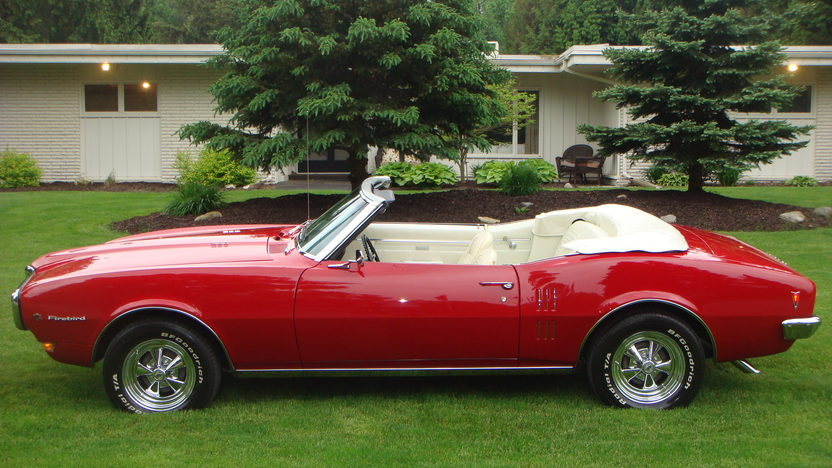 1968 Pontiac Firebird Convertible 350 CI, Automatic presented as lot T139 at Indianapolis, IN 2013 - image2