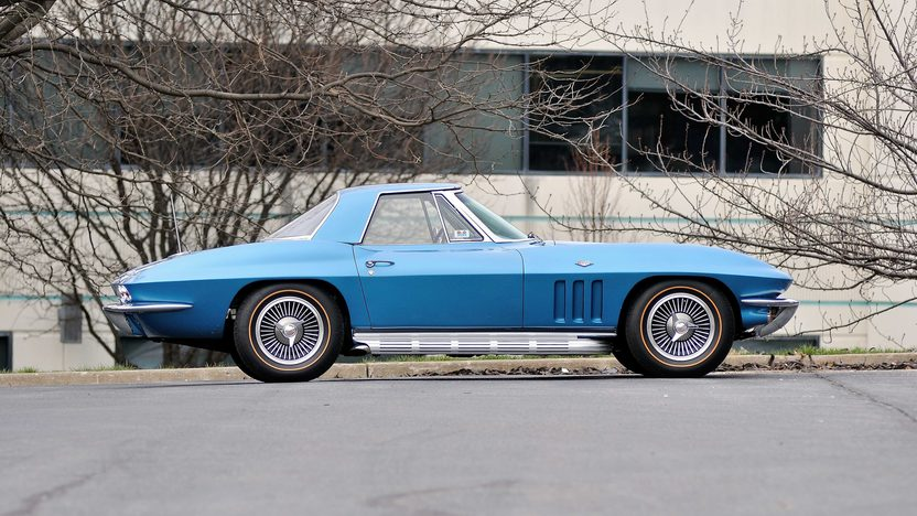 1966 Chevrolet Corvette Convertible 327/350 HP, 4-Speed presented as lot T208 at Indianapolis, IN 2013 - image2