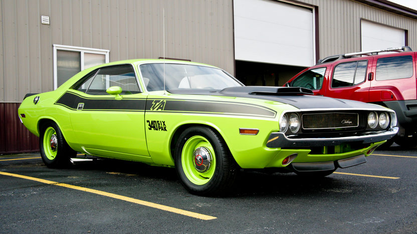 1970 Dodge Challenger T/A Replica 340 CI presented as lot T175 at Indianapolis, IN 2013 - image8