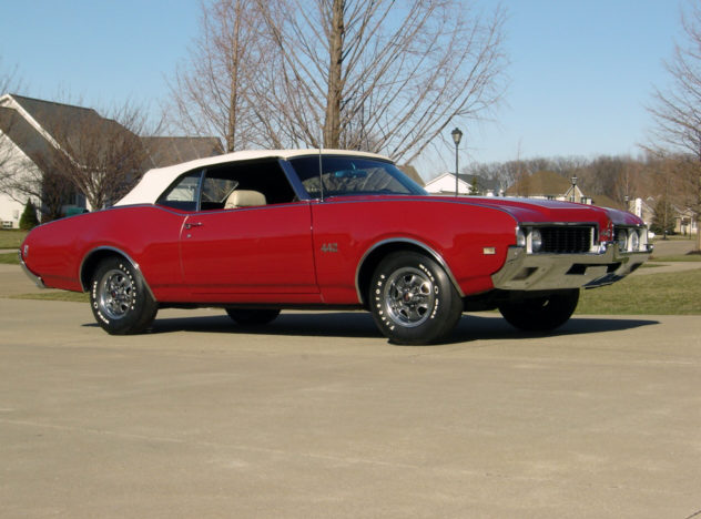1969 Oldsmobile 442 Convertible 400/350 HP, 4-Speed presented as lot F169 at Indianapolis, IN 2013 - image2