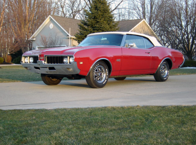 1969 Oldsmobile 442 Convertible 400/350 HP, 4-Speed presented as lot F169 at Indianapolis, IN 2013 - image7
