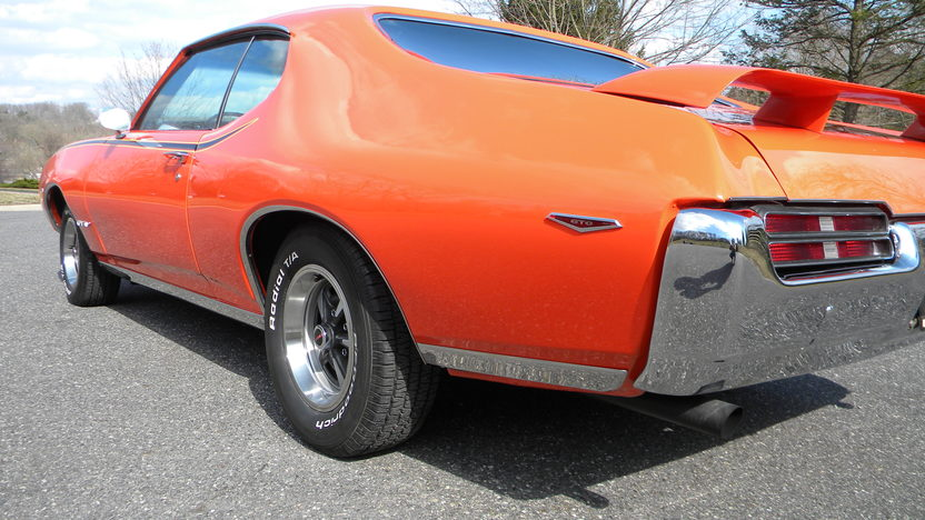 1969 Pontiac GTO Judge 400/366 HP, Automatic presented as lot F177 at Indianapolis, IN 2013 - image7