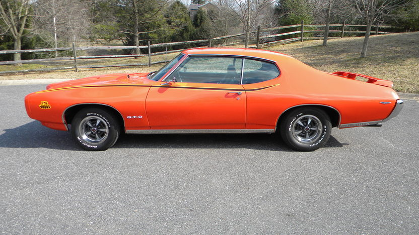 1969 Pontiac GTO Judge 400/366 HP, Automatic presented as lot F177 at Indianapolis, IN 2013 - image9