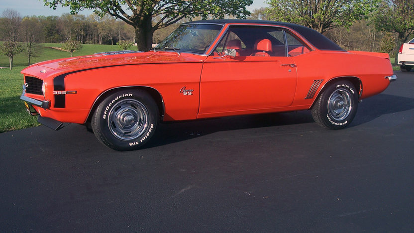 1969 Chevrolet Camaro SS Coupe 396/350 HP, 4-Speed presented as lot F62 at Indianapolis, IN 2013 - image2