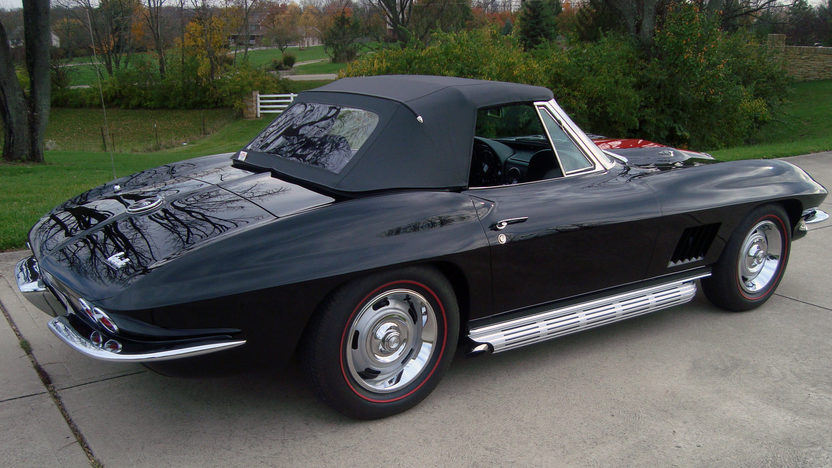 1967 Chevrolet Corvette Convertible 427/435 HP, 4-Speed presented as lot S195 at Indianapolis, IN 2013 - image2