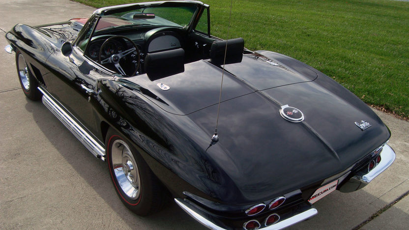 1967 Chevrolet Corvette Convertible 427/435 HP, 4-Speed presented as lot S195 at Indianapolis, IN 2013 - image3