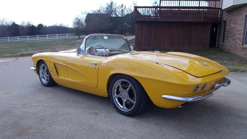 1962 Chevrolet Corvette Resto Mod LS1, 6-Speed presented as lot S201 at Indianapolis, IN 2013 - image2