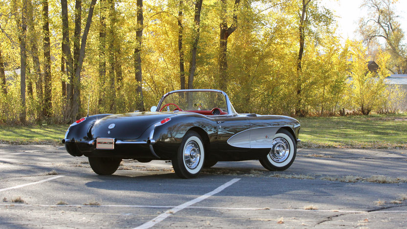 1957 Chevrolet Corvette Convertible 283 CI, 4-Speed presented as lot S208 at Indianapolis, IN 2013 - image3