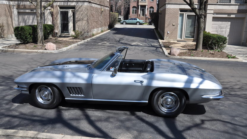 1967 Chevrolet Corvette Convertible 427/400 HP, 4-Speed presented as lot S229 at Indianapolis, IN 2013 - image7