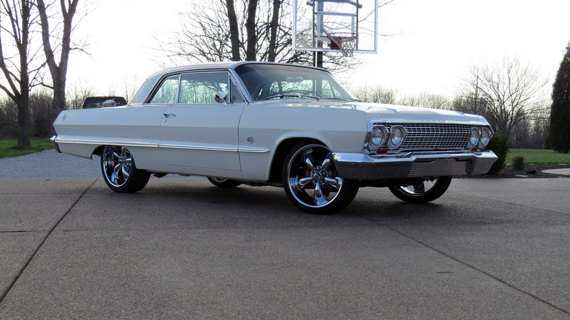 1963 Chevrolet Impala 409/425 HP, 4-Speed presented as lot S263 at Indianapolis, IN 2013 - image12