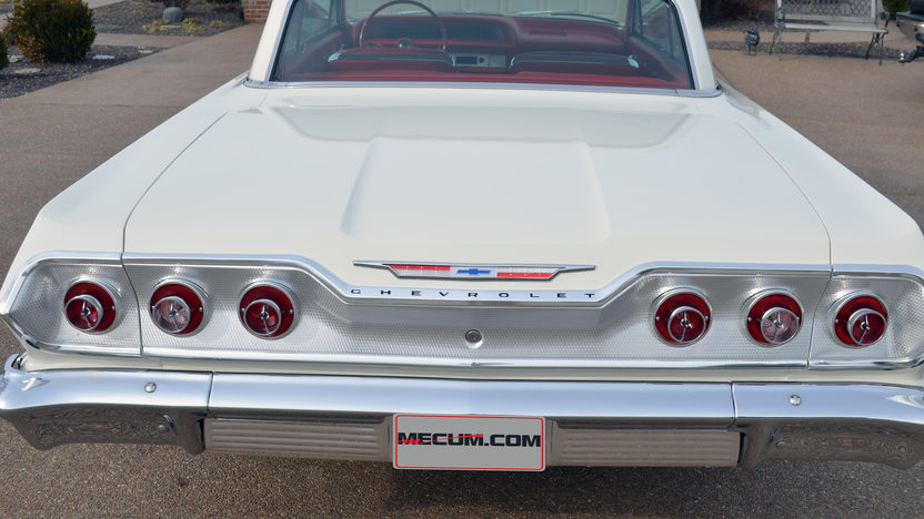 1963 Chevrolet Impala 409/425 HP, 4-Speed presented as lot S263 at Indianapolis, IN 2013 - image3