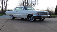 1963 Chevrolet Impala 409/425 HP, 4-Speed presented as lot S263 at Indianapolis, IN 2013 - thumbail image12