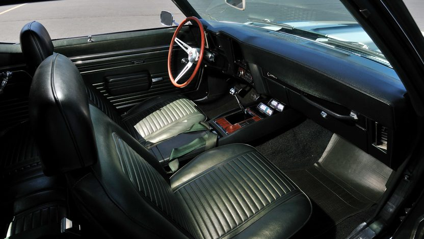 1969 Chevrolet Camaro Z28 Cross Ram 302 CI, 4-Speed presented as lot U69 at Indianapolis, IN 2013 - image5