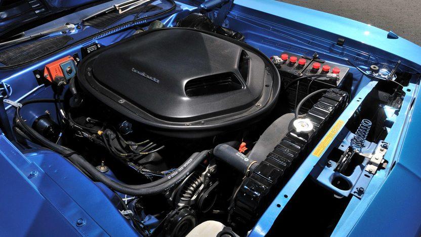 1971 Plymouth Hemi Cuda 426/425 HP, 4-Speed, 'Haircut Hemi' presented as lot U81 at Indianapolis, IN 2013 - image6