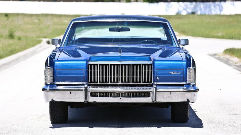 1976 Lincoln Continental Town Car presented as lot U106 at Indianapolis, IN 2013 - image9