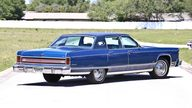 1976 Lincoln Continental Town Car presented as lot U106 at Indianapolis, IN 2013 - thumbail image3