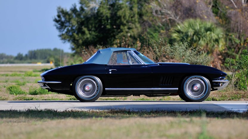 1967 Chevrolet Corvette Convertible Black 'n Blue, Triple Crown Award presented as lot F197 at Indianapolis, IN 2013 - image2
