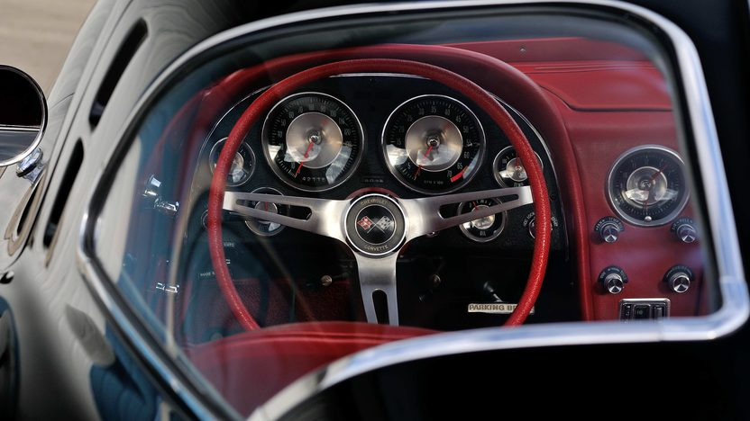 1963 Chevrolet Corvette Split Window Coupe 327/340 HP, Factory Black/Red, Triple Crown presented as lot F199 at Indianapolis, IN 2013 - image6
