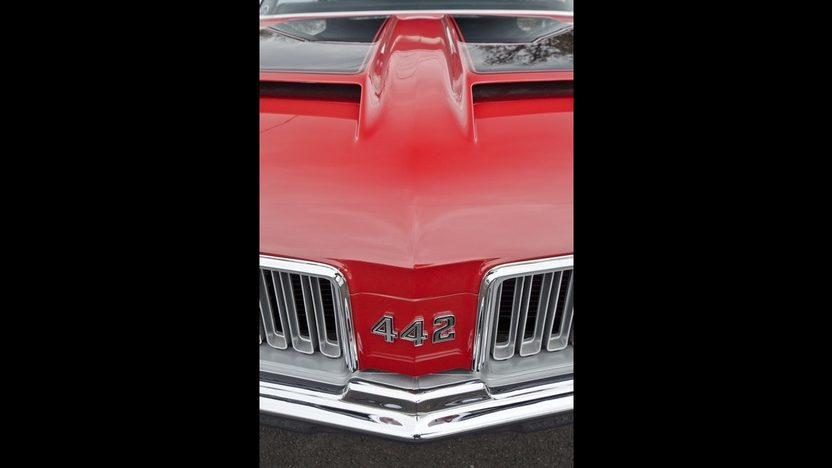 1970 Oldsmobile 442 W-30 Coupe 455/370 HP, 4-Speed presented as lot F217 at Indianapolis, IN 2013 - image9