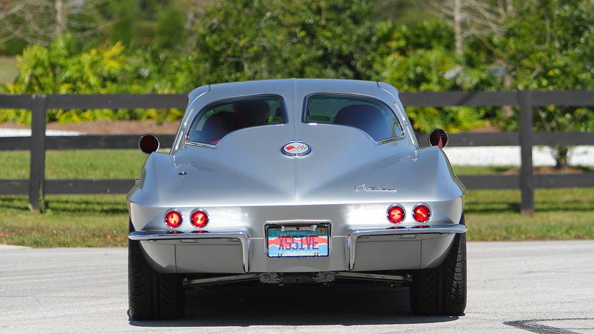 1963 Chevrolet Corvette Split Window Coupe Resto Mod, LS7/505 HP, 6-Speed presented as lot F225 at Indianapolis, IN 2013 - image3