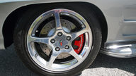 1963 Chevrolet Corvette Split Window Coupe Resto Mod, LS7/505 HP, 6-Speed presented as lot F225 at Indianapolis, IN 2013 - thumbail image10