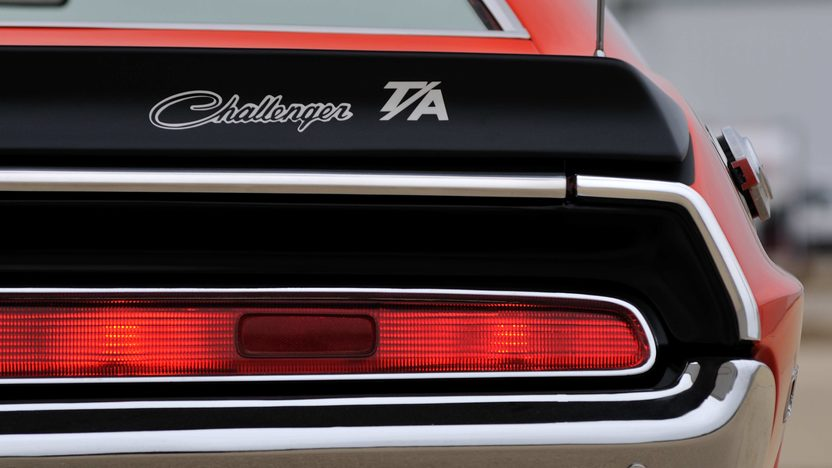 1970 Dodge Challenger T/A 340 Six Pack, 4-Speed presented as lot F256 at Indianapolis, IN 2013 - image10