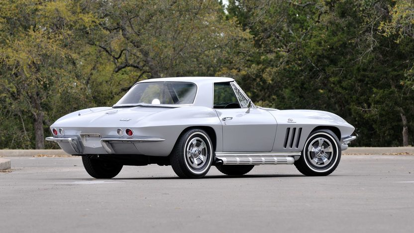 1966 Chevrolet Corvette Convertible 427/425 HP, 4-Speed, Two Tops presented as lot F268 at Indianapolis, IN 2013 - image3