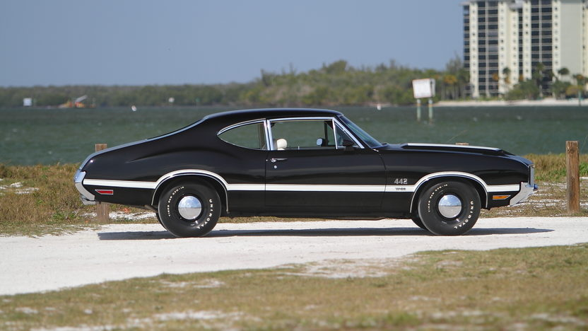 1972 Oldsmobile 442 W-30 S Coupe 455/300 HP, Automatic presented as lot S112 at Indianapolis, IN 2013 - image2