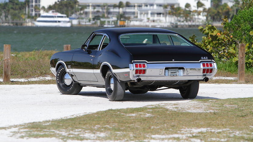 1972 Oldsmobile 442 W-30 S Coupe 455/300 HP, Automatic presented as lot S112 at Indianapolis, IN 2013 - image3