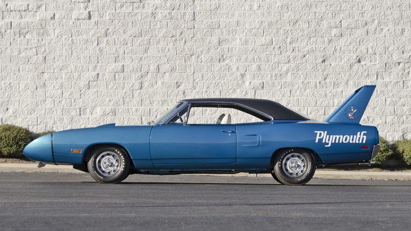 1970 Plymouth Superbird 440/375 HP, Automatic presented as lot S115 at Indianapolis, IN 2013 - image3