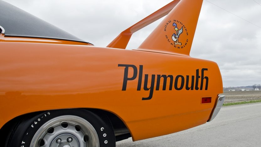 1970 Plymouth Superbird 440 Six Pack, Automatic presented as lot S170 at Indianapolis, IN 2013 - image10