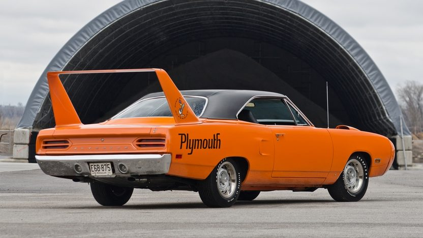 1970 Plymouth Superbird 440 Six Pack, Automatic presented as lot S170 at Indianapolis, IN 2013 - image2
