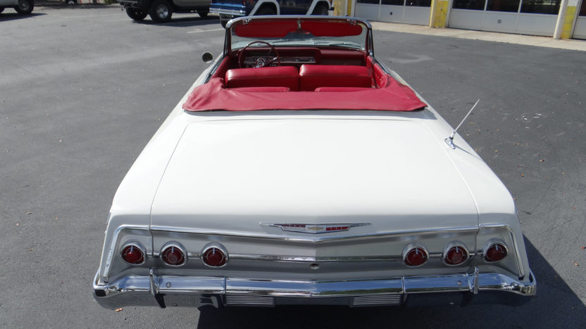 1962 Chevrolet Impala Convertible 327/300 HP, Automatic presented as lot T299 at Indianapolis, IN 2013 - image3