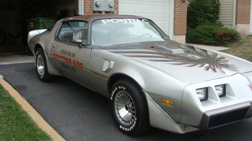 1979 Pontiac Trans Am Silver Anniversary Daytona 500 Pace Car Edition presented as lot T114 at Indianapolis, IN 2013 - image8