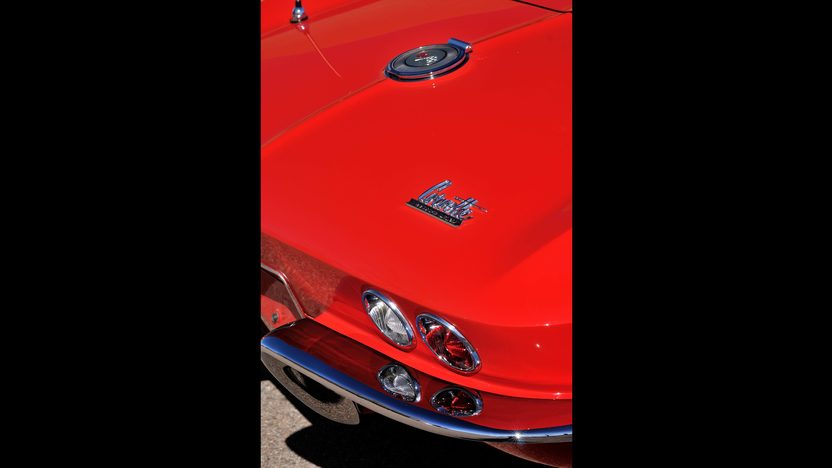 1966 Chevrolet Corvette Convertible 427/390 HP, 4-Speed presented as lot S132 at Indianapolis, IN 2013 - image12