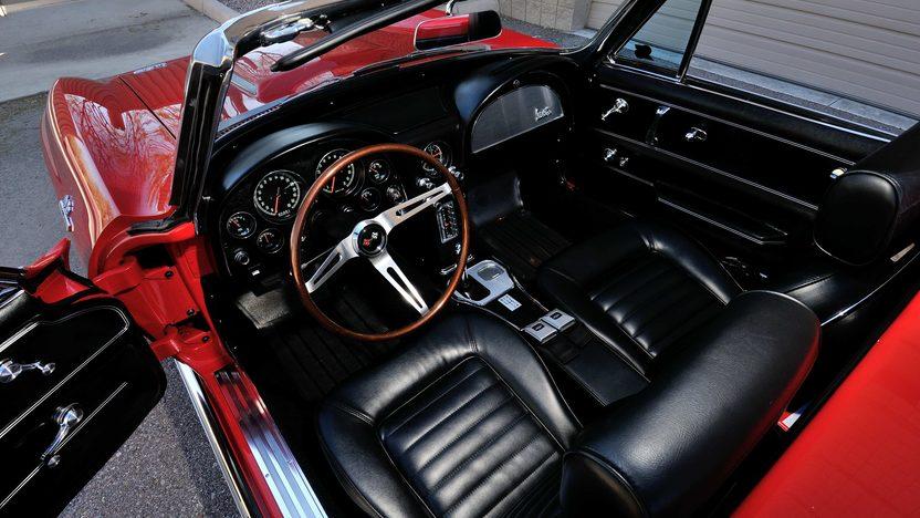 1966 Chevrolet Corvette Convertible 427/390 HP, 4-Speed presented as lot S132 at Indianapolis, IN 2013 - image4
