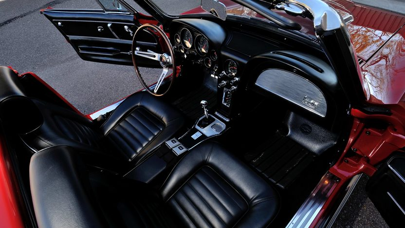 1966 Chevrolet Corvette Convertible 427/390 HP, 4-Speed presented as lot S132 at Indianapolis, IN 2013 - image5