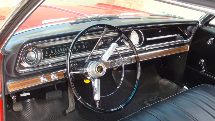 1965 Chevrolet Impala Hardtop 283 CI, Automatic presented as lot T281 at Indianapolis, IN 2013 - image4