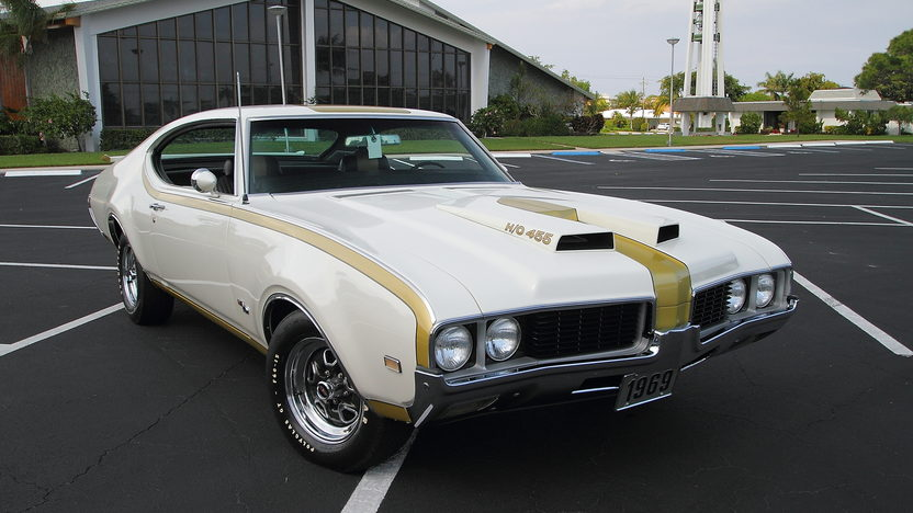 1969 Oldsmobile Hurst 442 455/390 HP, Well Documented presented as lot F244 at Indianapolis, IN 2013 - image12