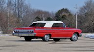 1962 Chevrolet Impala SS Convertible 409/409 HP, 4-Speed presented as lot S7 at Indianapolis, IN 2013 - thumbail image3