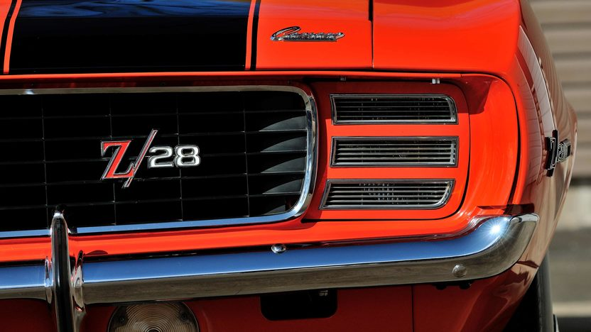 1969 Chevrolet Camaro RS Z28 302/290 HP, 4-Speed presented as lot T269 at Indianapolis, IN 2013 - image12